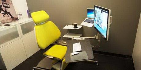 عرضه صندلی که قادر به اصلاح راستای ستون مهرهها است