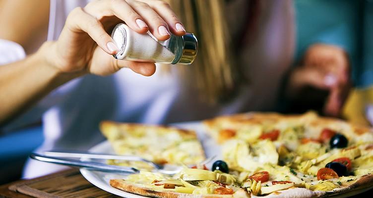 رژیم غذایی سالم اثرمصرف زیاد نمک را جبران نمی کند