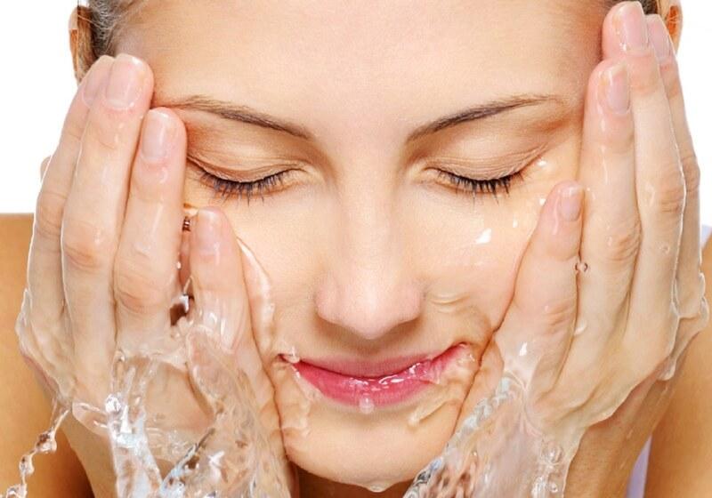 پاکسازی پوست؛ چرا، چهوقت، چگونه؟