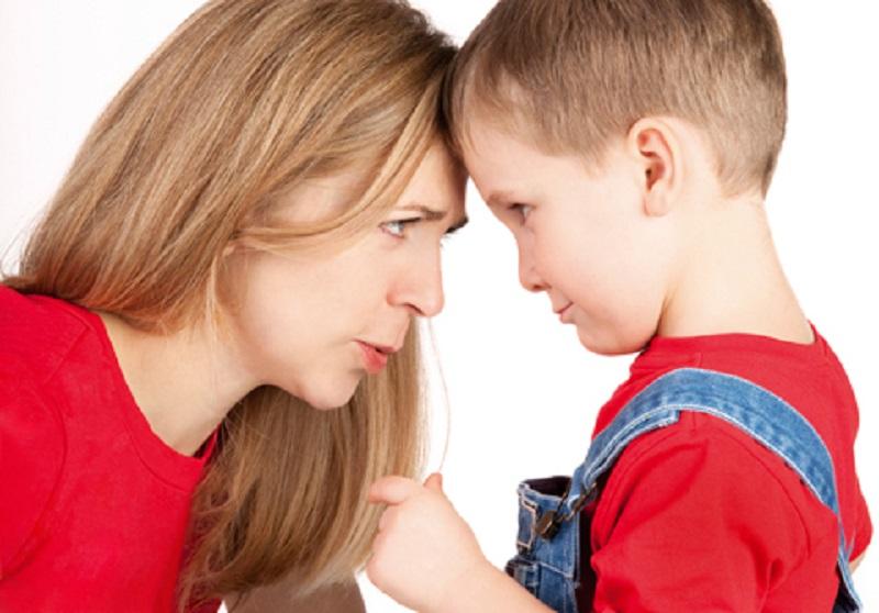 مقابله با رفتار اشتباه کودک