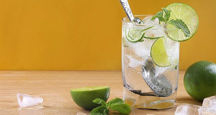 ۸ فایده شگفت انگیز مصرف مخلوط لیموترش و آب