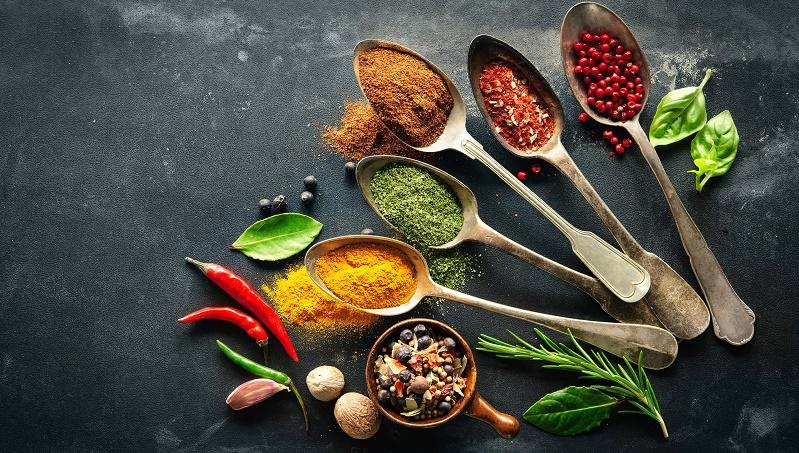 اینفوگرافیک : بهترین ادویه ها و گیاهان دارویی برای سرماخوردگی