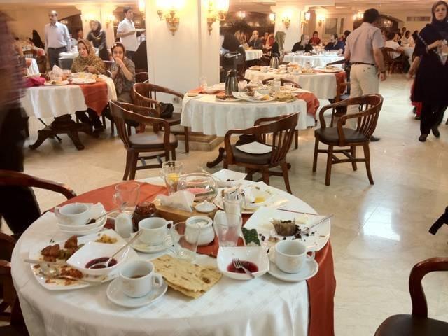 تشدید نظارت های بهداشتی بر رستورانهای بین راهی در ایام نوروز