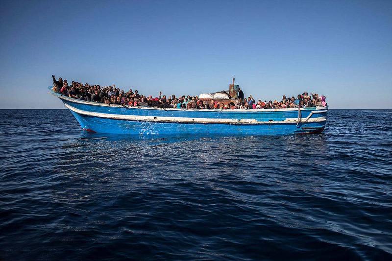 نجات بیش از ۳۳۰ مهاجر از آبهای لیبی
