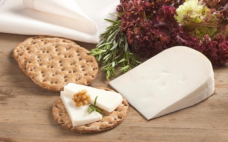 چرا نباید در وعده صبحانه نان و پنیر بخوریم؟