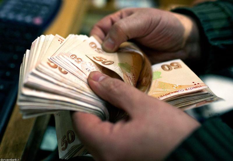لیر ترکیه در برابر دلار و یورو سقوط کرد