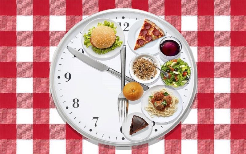 لطفا سر ساعت غذا بخورید