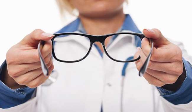 چه موقع باید عینکتان را نو کنید؟