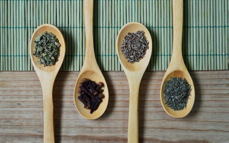 برخورد با اگزما با رویکرد طب سنتی