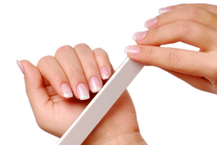 برای جلوگیری از شکسته شدن ناخنها چه کار کنیم؟
