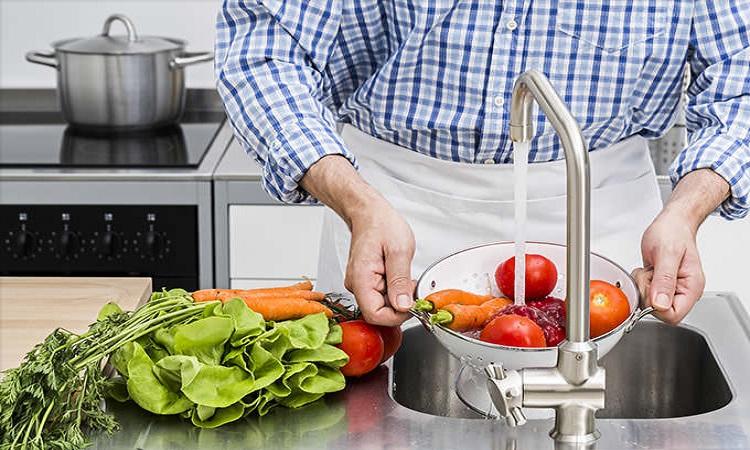 ساده ترین نکات برای شستشوی ایمن میوه ها و سبزیجات