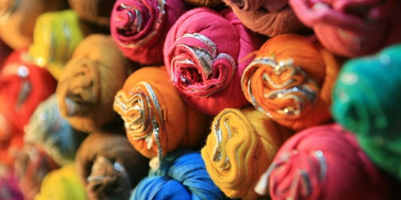 پارچه قاچاق در یزد کشف شد