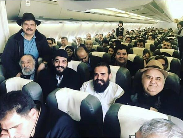 سفر هوایی اکبر عبدی و سالار عقیلی به تهران! + عکس