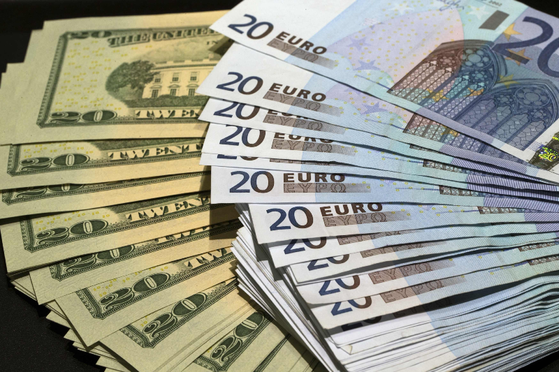 دلار و یورو طی یک هفته گران شد