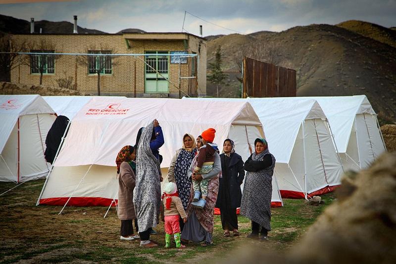 اعزام 8 تیم کاروان سلامت به مناطق زلزلهزده کرمانشاه