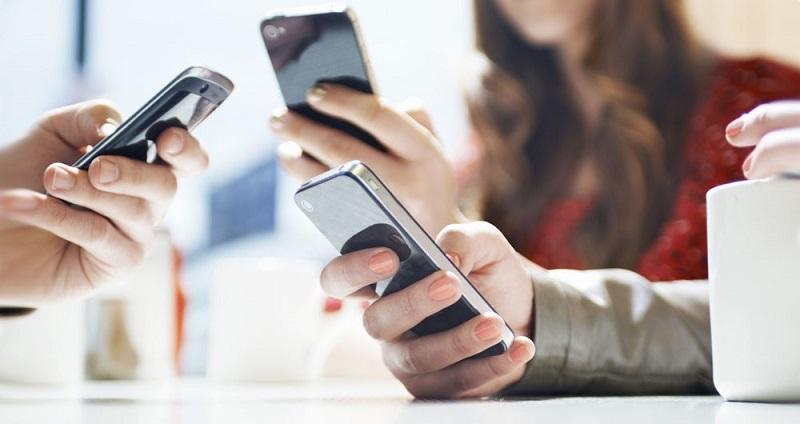 چرا باید وابستگی به موبایل را کاهش دهیم؟