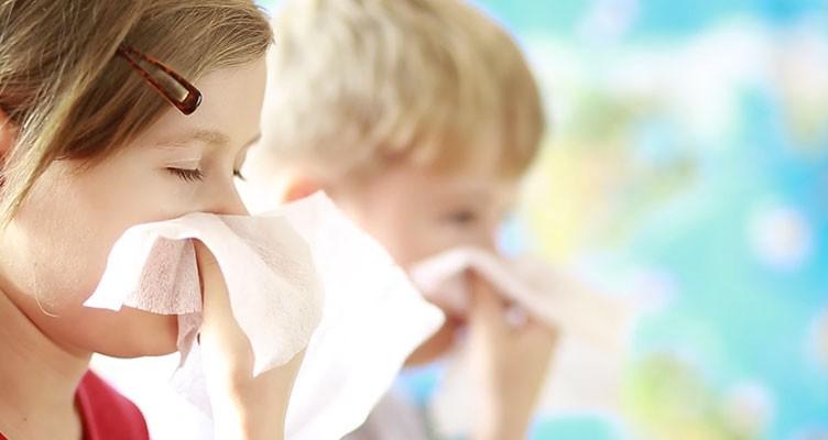 ۳ روش خانگی برای بند آوردن آبریزش بینی