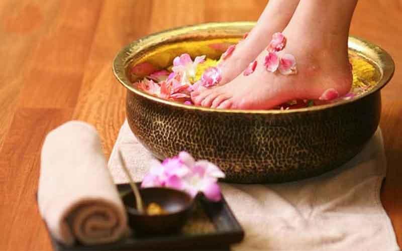 روش های رفع بوی بد پا به کمک درمان های گیاهی