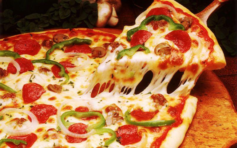 بعد از خوردن یک برش پیتزا چه اتفاقی در بدن میافتد؟