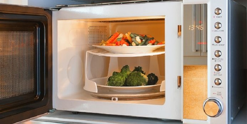 غذاهایی که نباید دوباره در مایکروویو گرم شوند