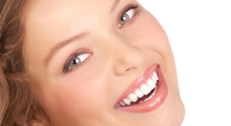 خطر این خوراکی ها برای سلامت دندان ها