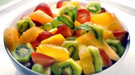6 توصیه برای تهیه سالاد میوه