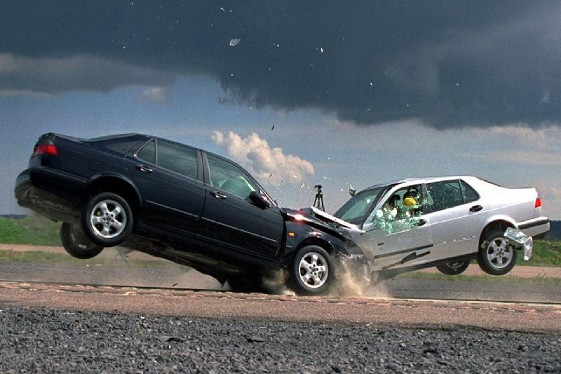 هنگام تصادف در مسافرت چه باید کرد؟