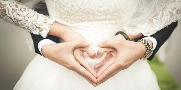 ۱۱ کار که یک نفر را عاشق خودتان کنید