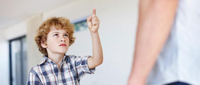 چگونه از لجبازیهای فرزند نوجوانتان جان سالم به در برید
