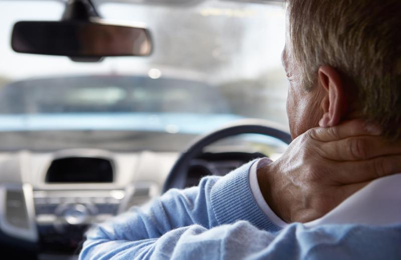 چگونه از بروز کمر درد در هنگام رانندگیهای طولانی مدت جلوگیری کنیم؟