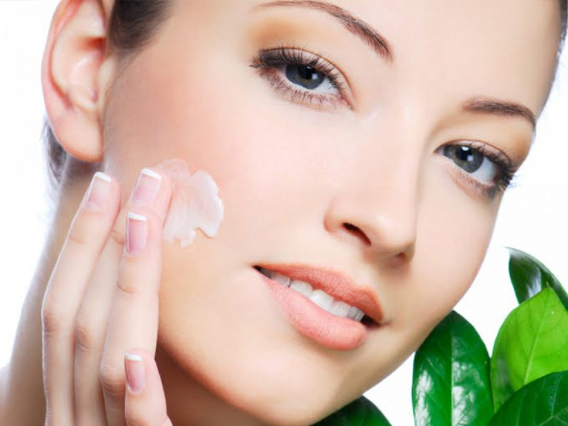 چگونه در فصل بهار پوستی شفاف و زیبا داشته باشیم؟