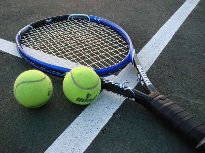 رفع گرفتگی بدن بعد از ورزش با توپ تنیس
