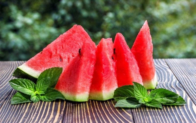 میوه ای که هیچگاه نباید با معده خالی بخورید