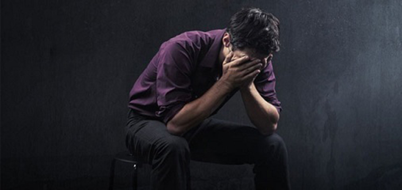 چگونه انزوا و افسردگی جوانی رادرمان کنیم؟