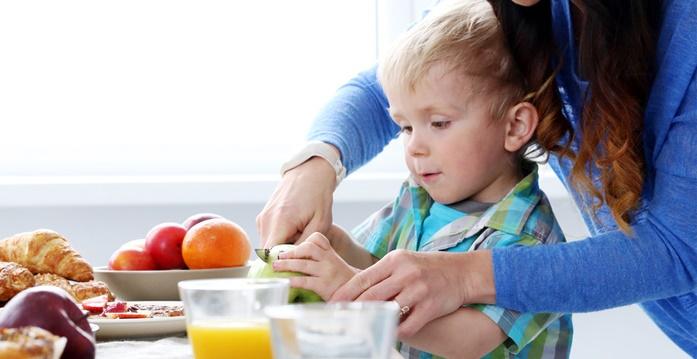 راهکارهایی برای کنترل کودکان اوتیسمی با موادغذایی