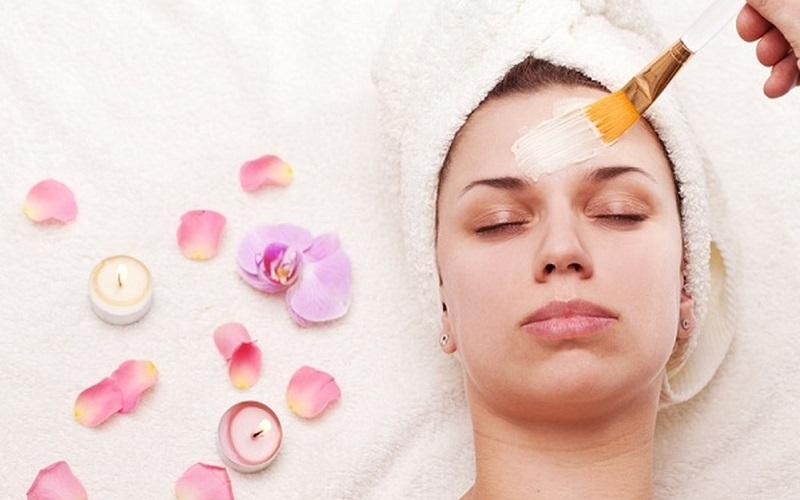 استفاده از ماسک شیر برای شفافیت پوست و نحوه درست کردن آن