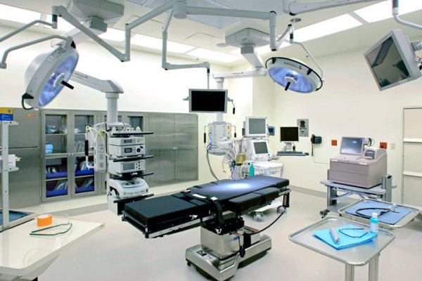 وزارت صنعت حق ورود به قیمت گذاری تجهیزات پزشکی را ندارد