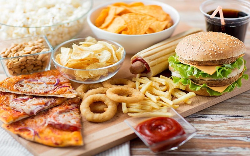 این غذاها شکمتان را چاق میکند
