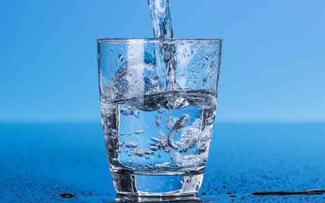 دستگاهی که روزانه 1000 لیتر آب آشامیدنی از هوا میگیرد