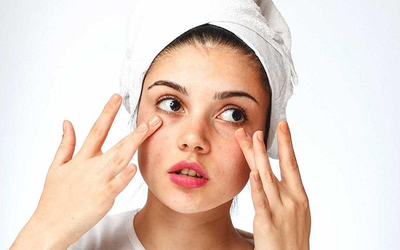 عاداتی که پوست شما را خشک میکنند