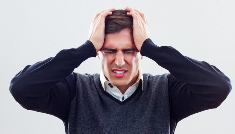 آشنایی با  انواع سردرد در طب سنتی  و راهکارهای درمانی آن