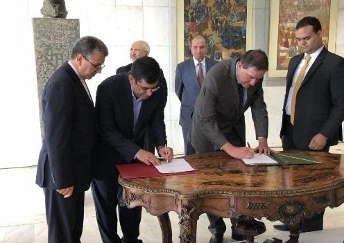 امضای تفاهم نامه  ایران و برزیل در زمینه تجهیزات پزشکی