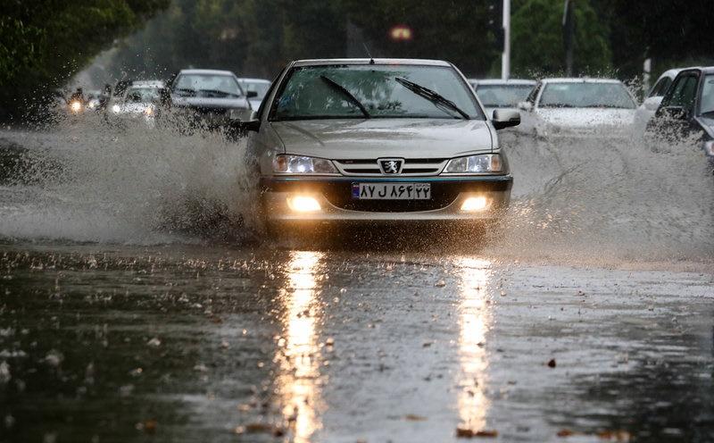 بارش شدید باران در ۵ استان/احتمال سیلابی شدن مسیرها