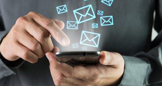 با این ۵ پیامک همسرتان عاشق شما می شود!