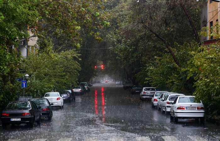 بارش باران در جاده های 11 استان کشور