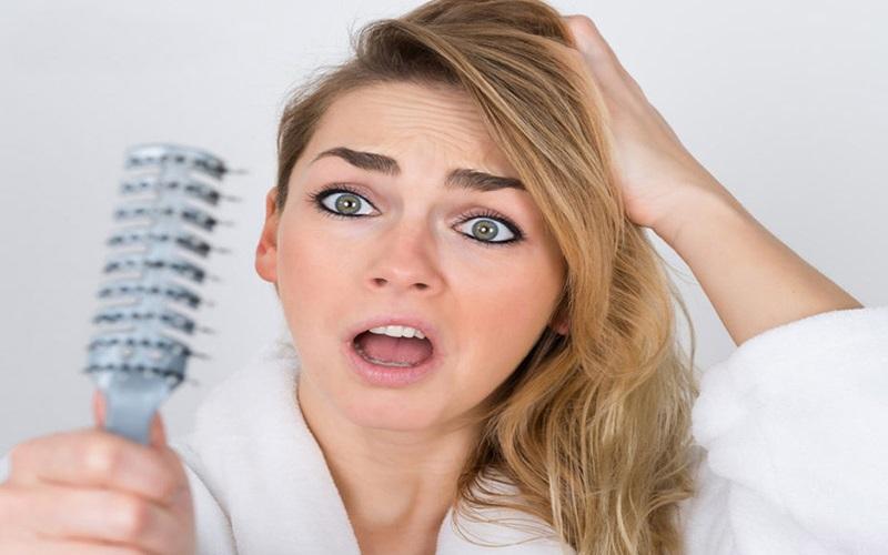 دلایلی که باعث می شود موهایتان کم پشت شود