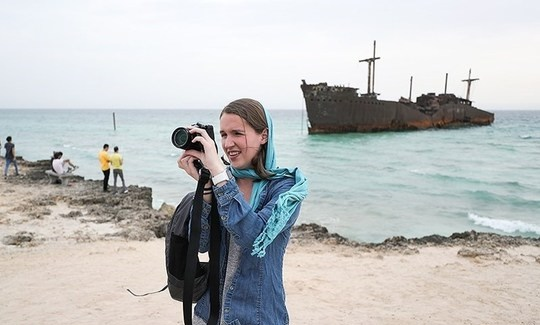 جوان ترین و سریع ترین گردشگر جهان در کیش +عکس