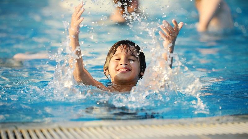 با  فواید جسمانی و روانی شنا آشنا شوید