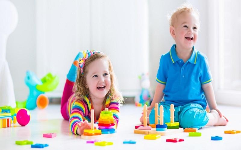 ۱۱ بازی زندگی با کودکتان