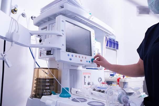 کدام نهاد متولی قیمتگذاری «دارو»  و «تجهیزات پزشکی» است ؟